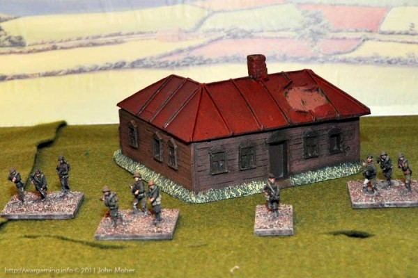 LM15 Medium sized Russian House with Weapons Pit - Rear View