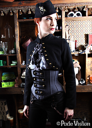 Felicia Day goes Steampunk