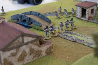The British rapidly advance across the bridge and form line.